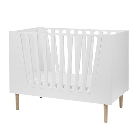Done by Deer White Junior Bed