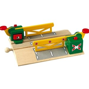 BRIO Magnetic Action Crossing 3 - 6 years